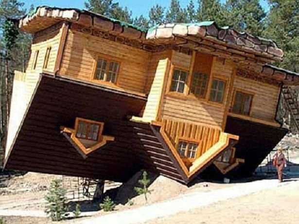 upside-down-house-syzmbark-poland-6590994-9176194